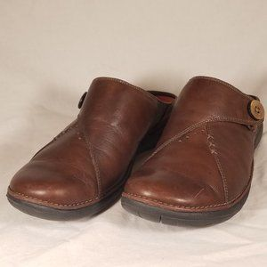 Clarks Unstructured SlipOn Brown Leather  Mule 7.5